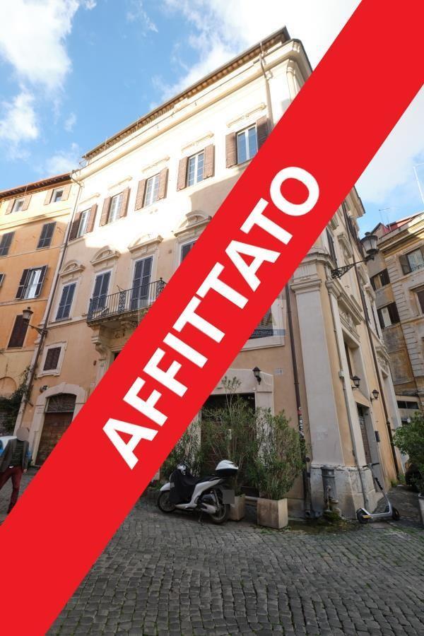 Rif. LC1740 Affittasi attico panoramico nel centro storico di Roma