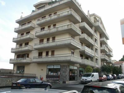 Immobile Commerciale in vendita a Ragusa, 2 locali, prezzo € 100.000 | CambioCasa.it