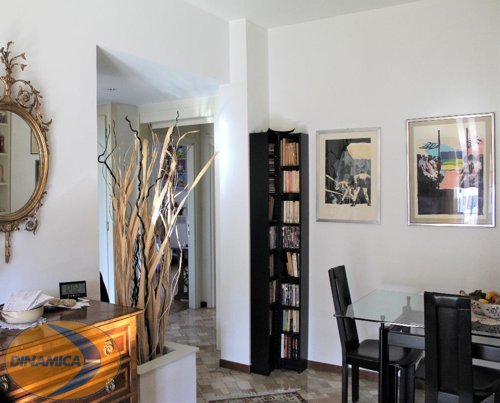 Appartamento in vendita a Barzanò, 3 locali, zona Località: Vicinanze centro, prezzo € 170.000 | CambioCasa.it
