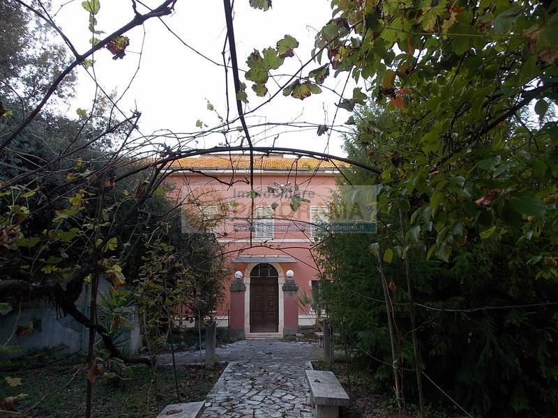 Rif. LC1709 Borgo in vendita a Castorano