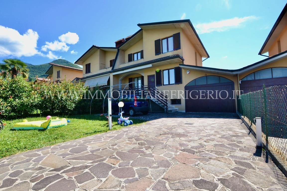 Villa a Schiera Vendita Caprino Bergamasco 4741