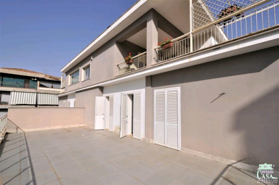 Appartamento in vendita a Caltagirone, 5 locali, prezzo € 200.000 | CambioCasa.it