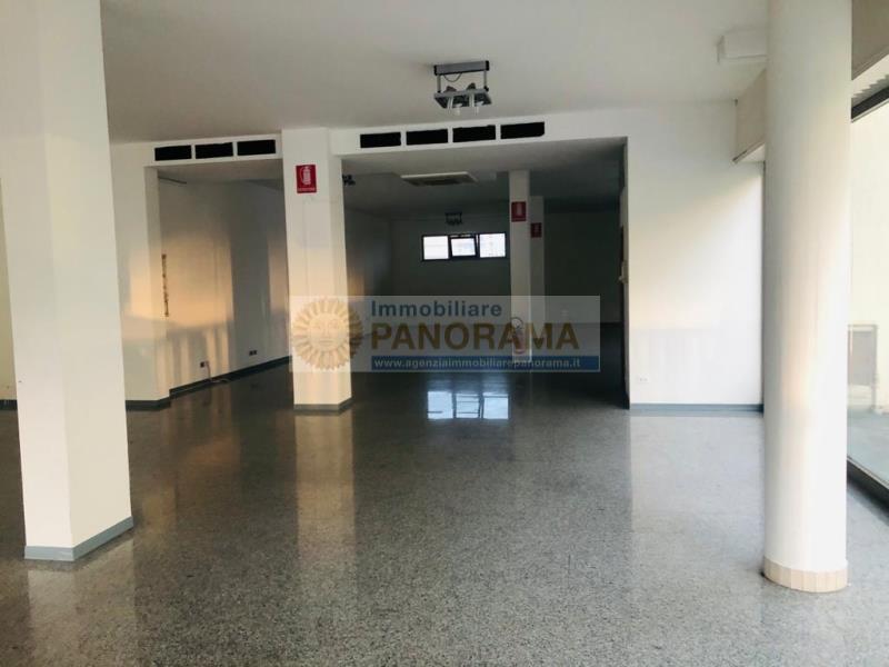 Rif. ATA171 Locale commerciale in affitto a San Benedetto del Tronto