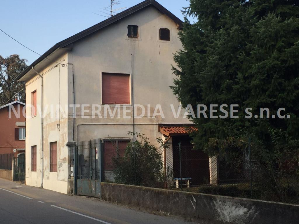 Soluzione Indipendente in vendita a Venegono Inferiore, 6 locali, prezzo € 190.000   PortaleAgenzieImmobiliari.it