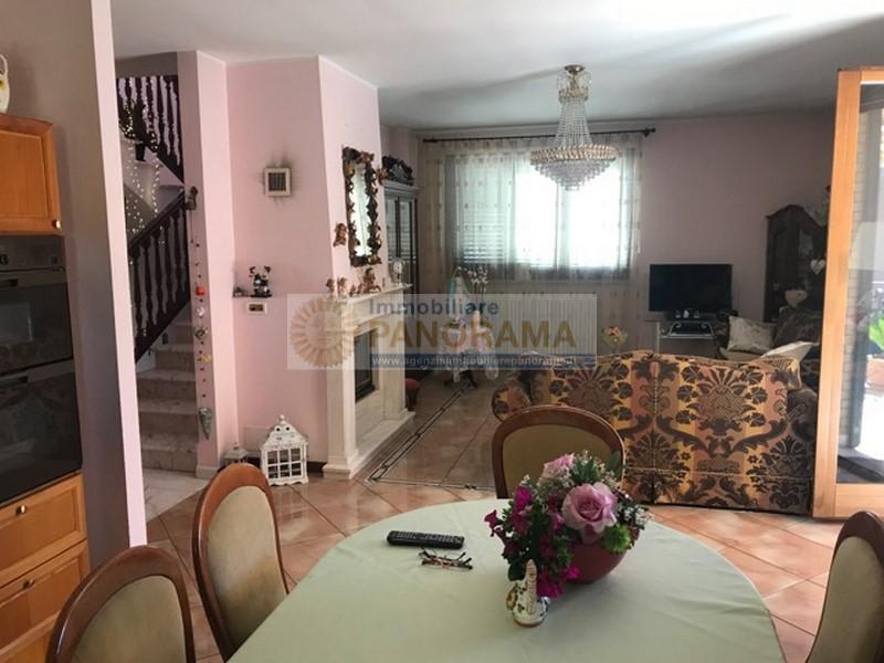 Rif. FG1618 Villa in vendita a Martinsicuro