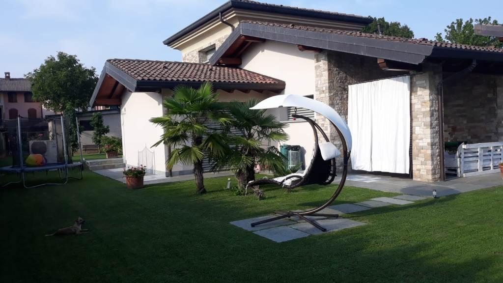 Villa in vendita a Palosco, 5 locali, prezzo € 440.000 | PortaleAgenzieImmobiliari.it
